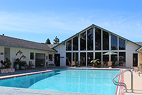 LARGE CLUBHOUSE AND POOL